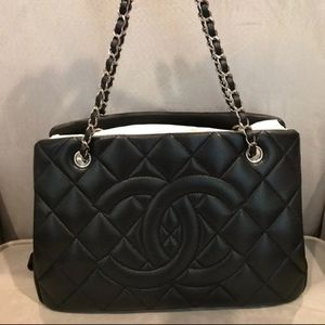 NWT!! Chanel Quilted Petite Timeless Tote
